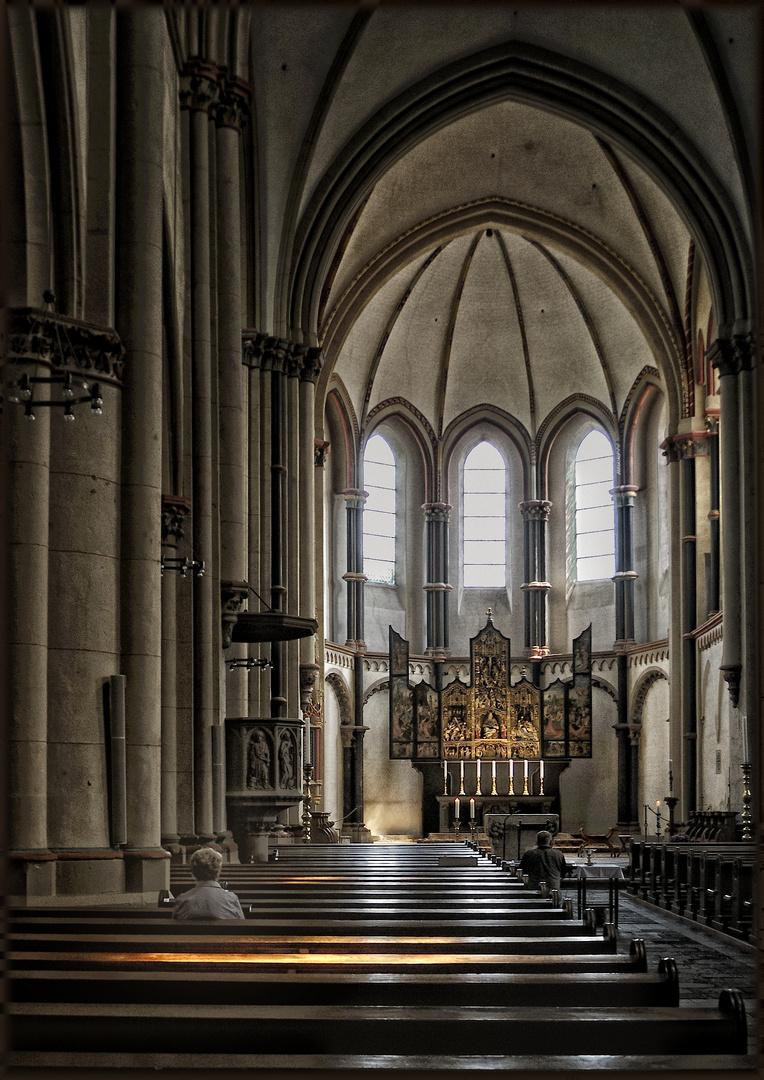 Stiftskirche - Église abbatiale Münstermaifeld