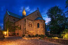 Stiftskirche Petersberg überarbeitet