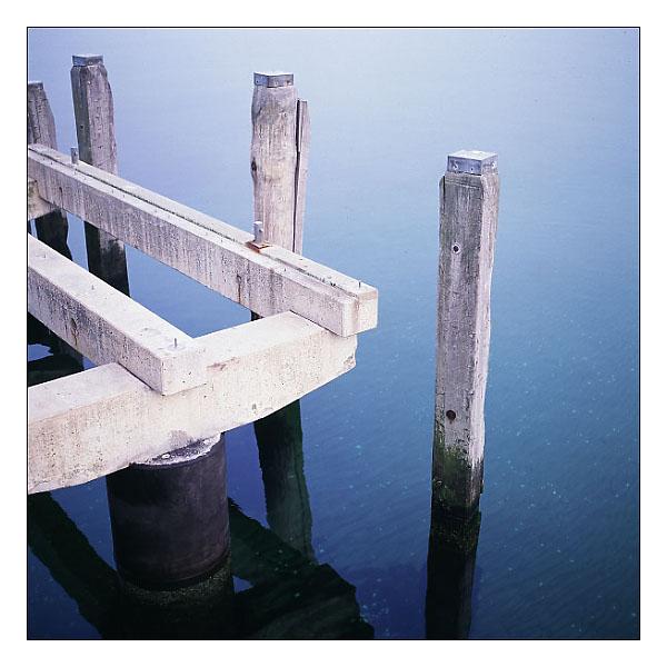 Stille am Meer mit Durchblick zum Grund
