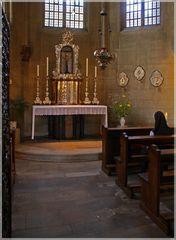 Stille Andacht in der Sakramentskapelle im Dom zu Münster