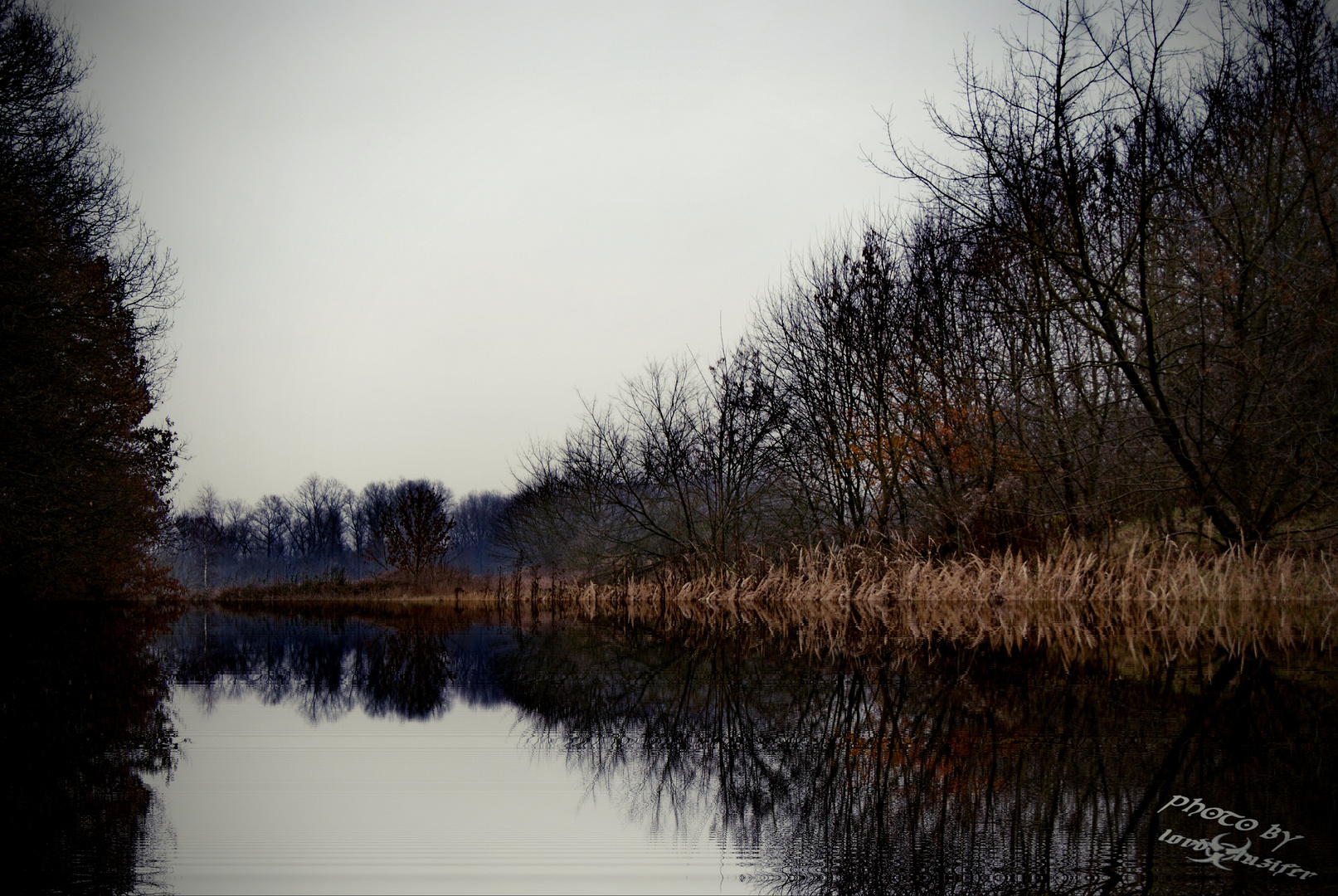 stille liegt in dem Gewässer
