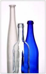 Stilleben mit drei Flaschen