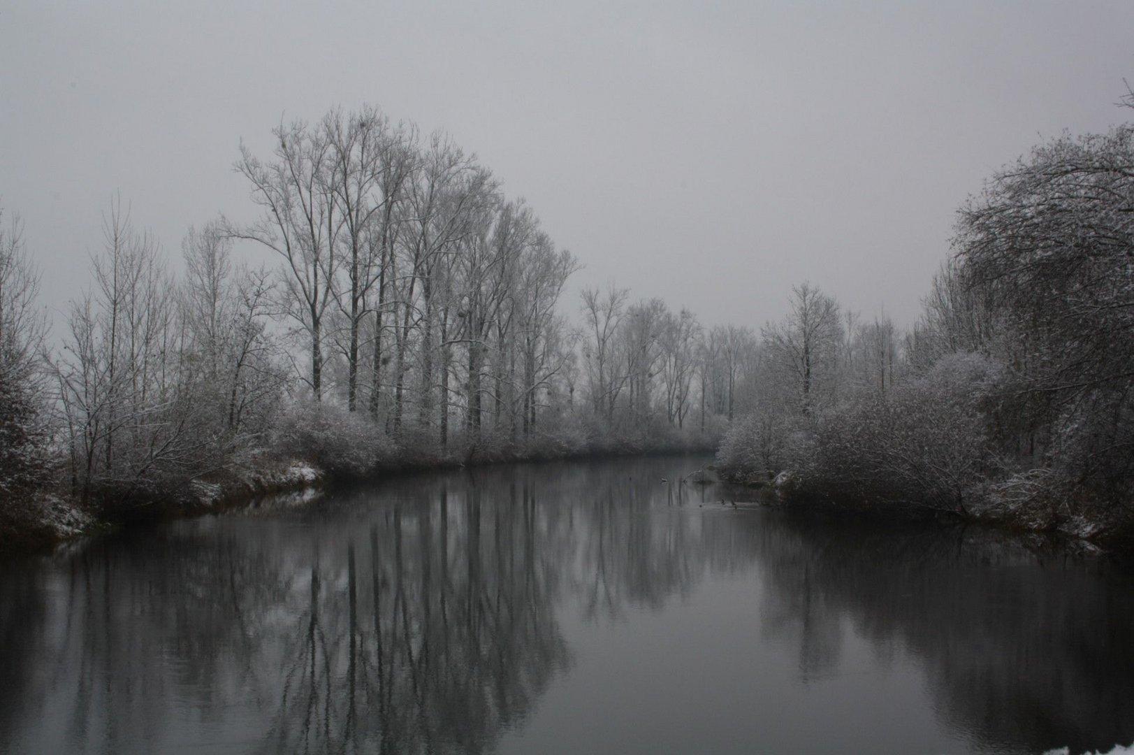 Stilles Flussufer