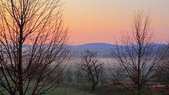 Stimmungsvoller Morgen schon vom Feinsten mit dem Nebel über der ....