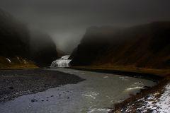 Stjornarfoss im Nebel