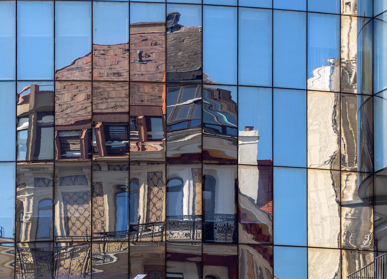 stock-im-eisen-platz-spiegel-puzzle...