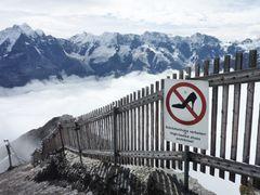 Stöckelschuhe auf dem Gipfel?