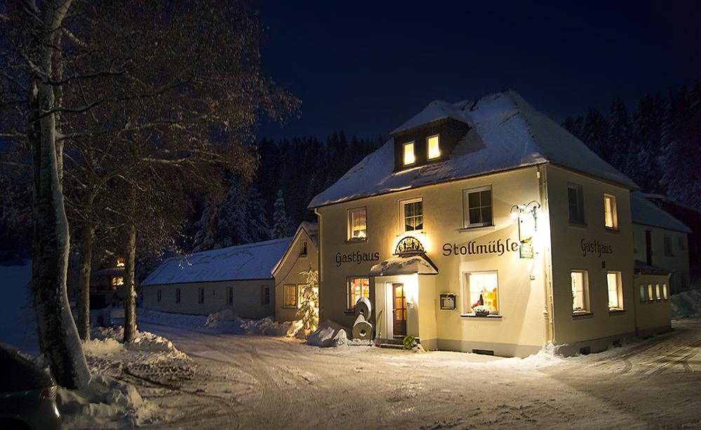 Stollmühle in der Winternacht