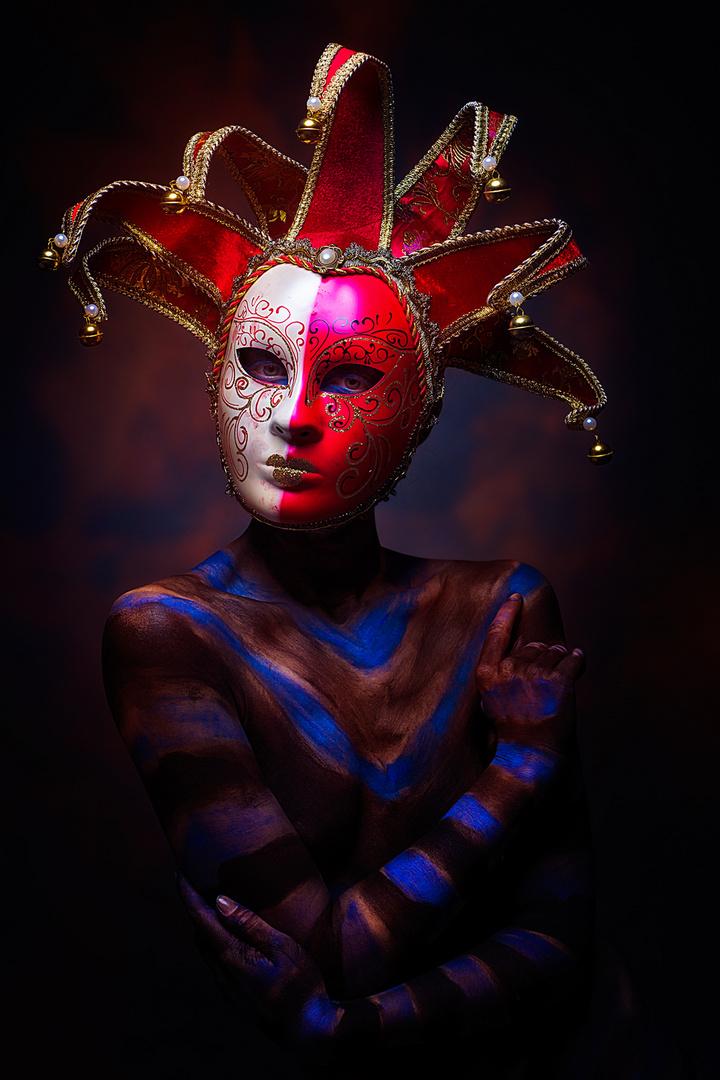 Stolze Maske