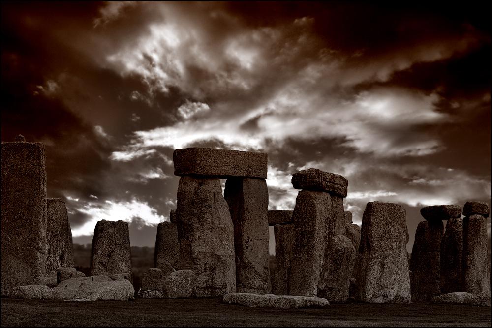 [stonehenge sundown]