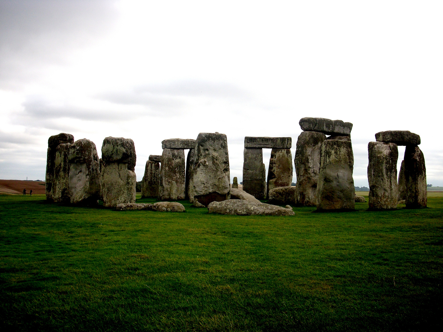 Stonehenge - Welcome to England