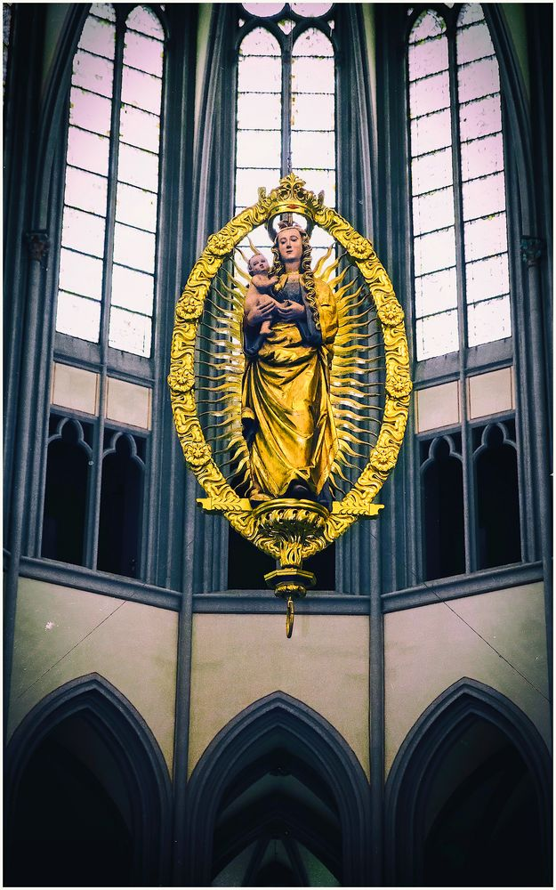 Strahlenkranz-Madonna im Altenberber Dom