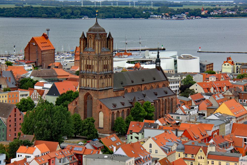 Stralsund von oben (9), Kirche St. Jakobi Foto & Bild