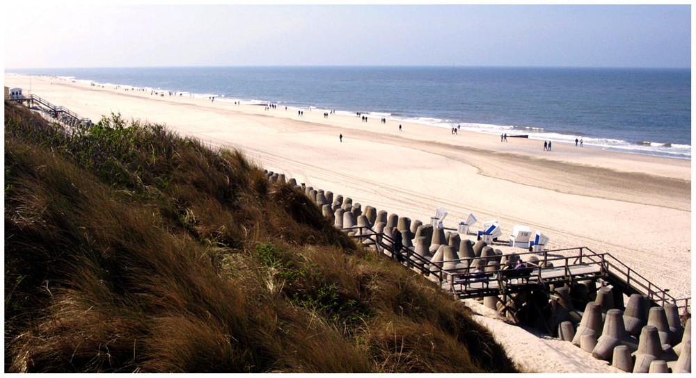 """Strand am Ende von """" Westerland """" ( 2 )"""