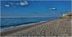 Strand Torrenova, am Horizont der Ätna