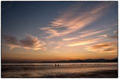 Strandspaziergang nach Sonnenuntergang