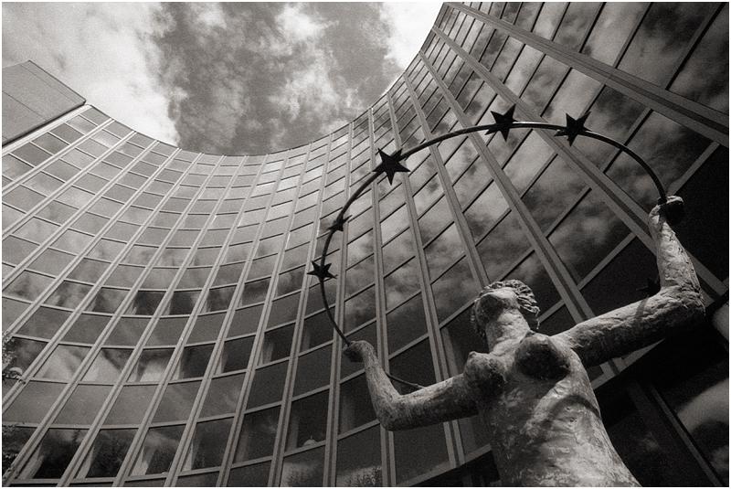 """Strasbourg: Gebäude """"Salvador de Madariaga"""" des Europaparlamentes"""