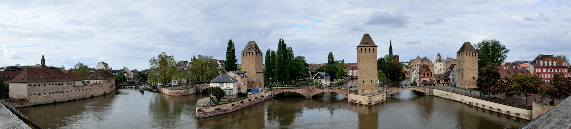 Straßburg Schleußen und Brücken in der Ill