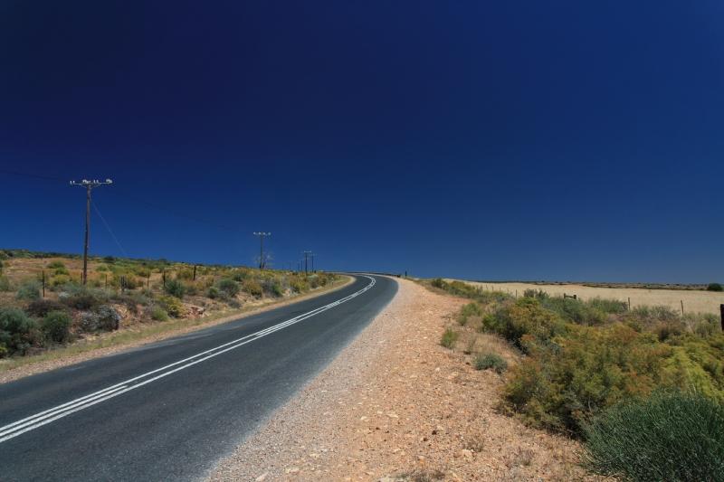 Straße im Nirgendwo in Südafrika