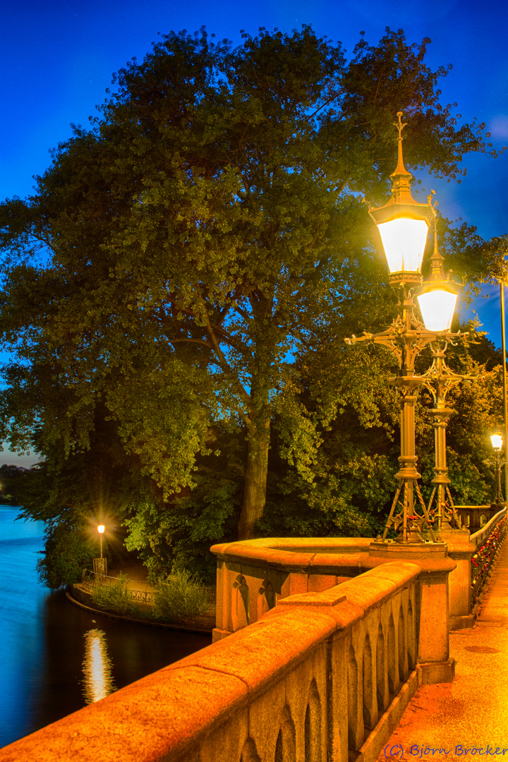 Strasselampen Am Schwanenwik Foto Bild Lampen Und Leuchten