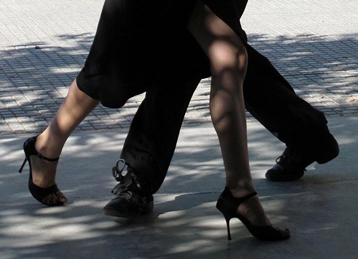 Strassen-Tango