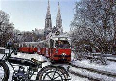 Strassenbahn vor der Votivkirche (Wien-Vienna)