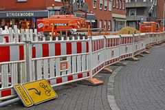*strassen.blockade*