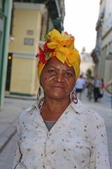 Straßenfegerin in Habana Kuba