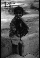 Strassenjunge Bangladesch
