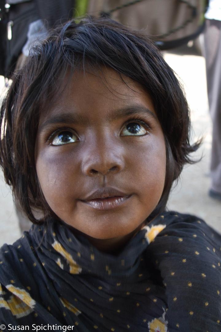 Straßenkind in Indien