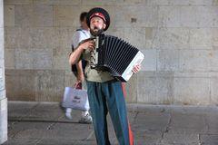 Straßenmusikant mit Akkordeon