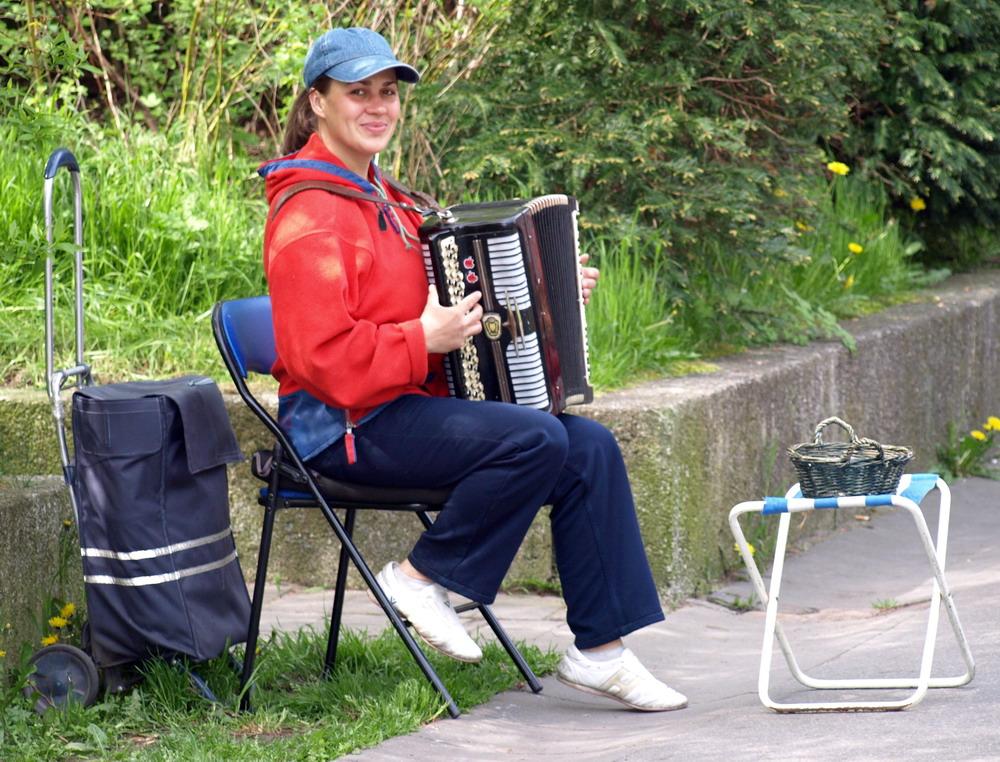 Straßenmusikantin
