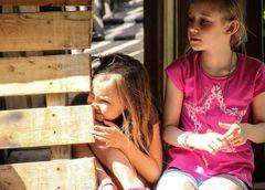 street 2 Kinder schauen +Text Wandeln übers Wasser