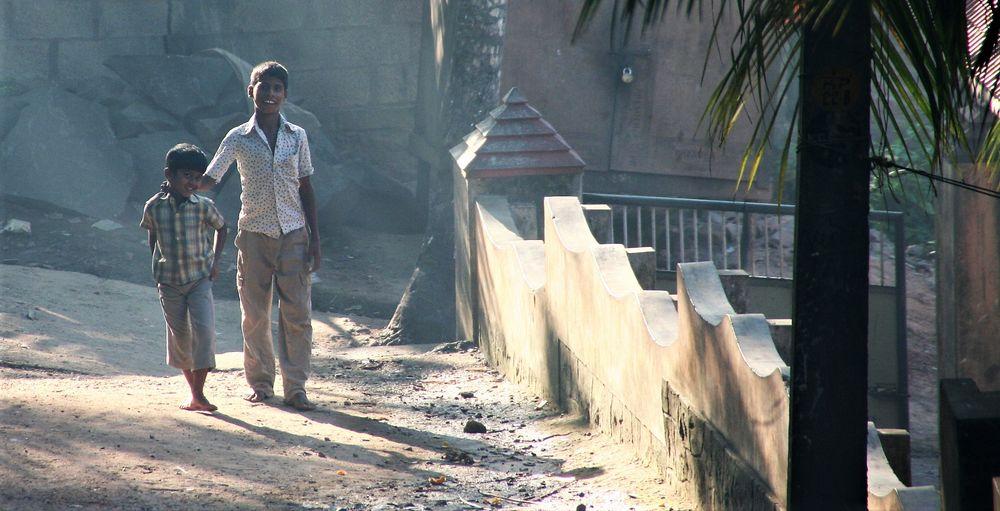 Street 2jungs India-93-w10 +1Foto +ReiseTEXT