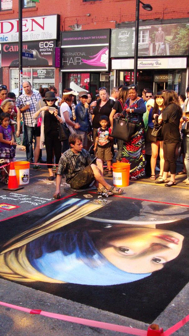 Street Artist-Buskerfest-Toronto,Ontario 2013