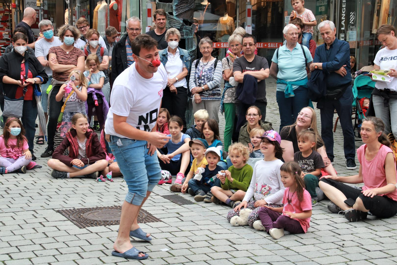 street Clown c21-2076-col +Fotos