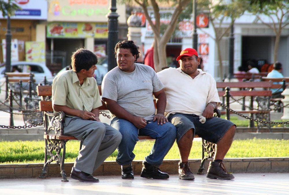 street DREI Parkbank Peru 94-col +9Fotos