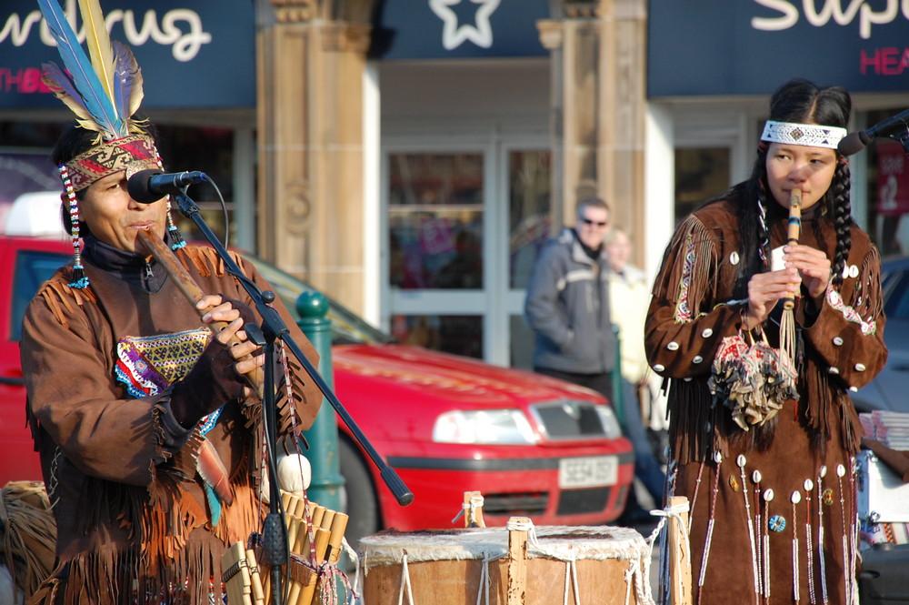 Street entertainment, Oban, Scotland