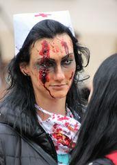 street Frau Zombie WdS-19-col +10Fotos