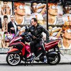 street HUGO Motorrad PARIS lumix-19-06col+SW +6Fotos