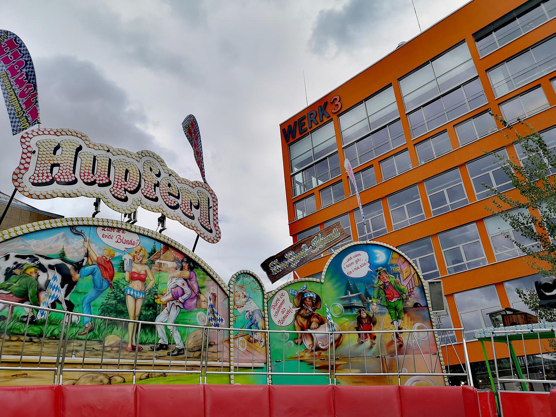 street HUPFERLn oder SITZEN? Muc p20-20-col