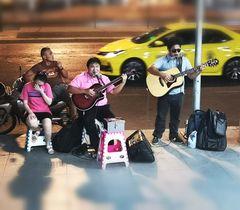 street Music Bangkok P20-20-colfi +1Foto