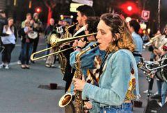 street music sax Paris Ca-19-58col +4Fotos +Story