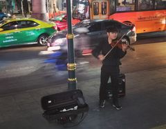 street music Violin Bangkok P20-20-colfi +1Foto