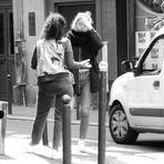 street Paris 2 Frauen lum-19-24sw