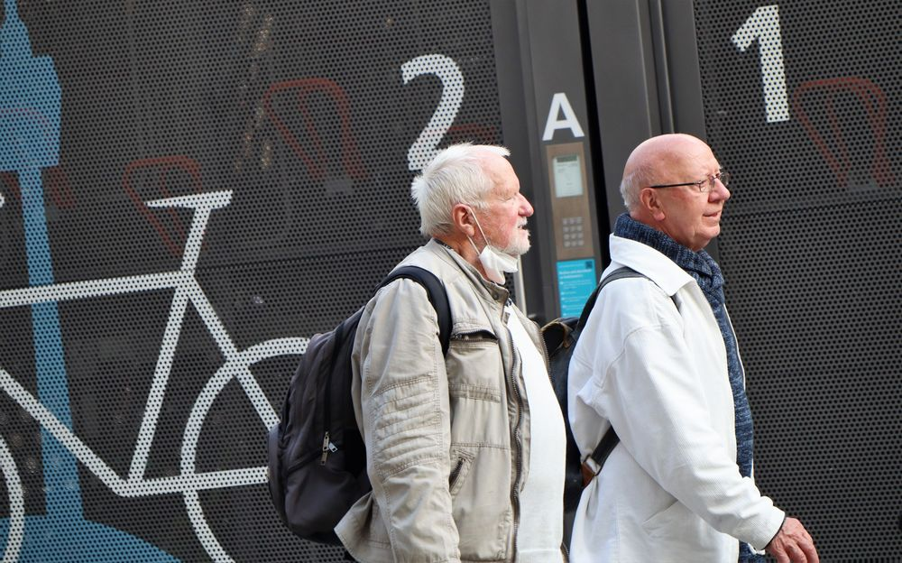 street Passanten caM50-21-205-col +SW +Fotos