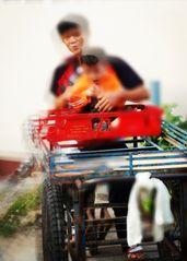 street SPEZIAL Portrait Thai P20-20-col Foxx +1Foto