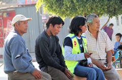 street VIER sitzen Peru ca-21-9169-col +9Fotos