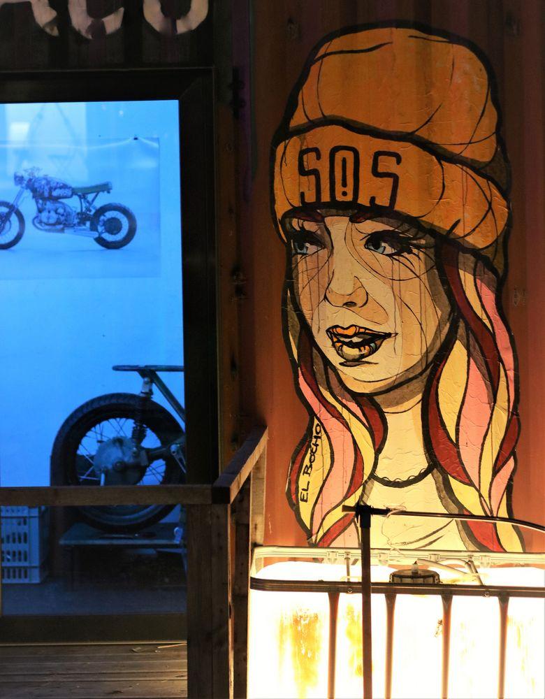 streetart SOS GIRL B-77 Ap18 +2Fotos