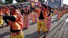 """ Streetdancing of the Teachers 9 "" , Kalibo - 15. Januar 2015"